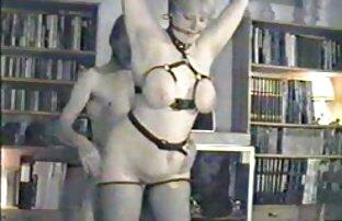पेरी शेफ और बॉलीवुड की फुल सेक्सी मूवी उनकी पत्नी के साथ ग्रुपीज़ डक में शामिल थीं