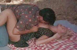 ऐलेना के साथ एक छेद में फट सेक्सी वीडियो फुल फिल्म गया है