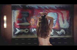 पूल में युवा खेल सौंदर्य सेक्सी फुल मूवी वीडियो में